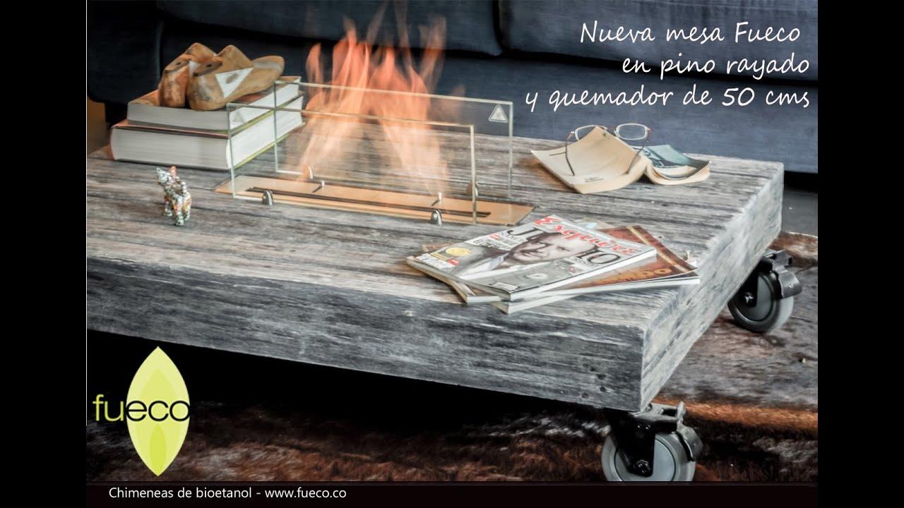 mesa en pino rayada con quemador fueco de bioetanol