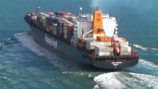 Hapag-Lloyd Container under Golden Gate Bridge-San Francisco