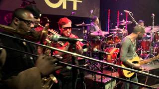 Aaron Spears featuring Jabo Starks -- Guitar Center Drum Off 2011