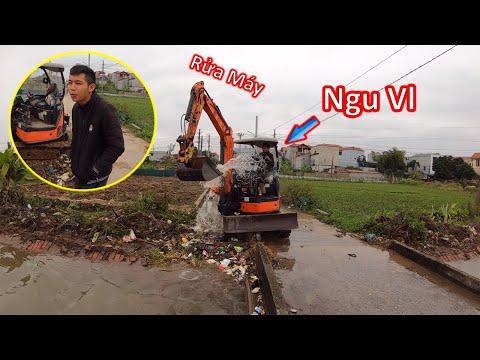 Thanh Niên Trẻ Rửa Máy Xúc Độc Nhất Vô Nhị Và Cái Kết Uớt Sấp Mặt Lờ   Xuân Mạnh Vlogs