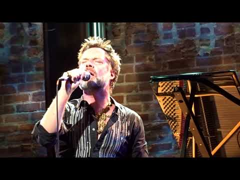 Rufus Wainwright: The Night They Drove Old Dixie Down Mp3