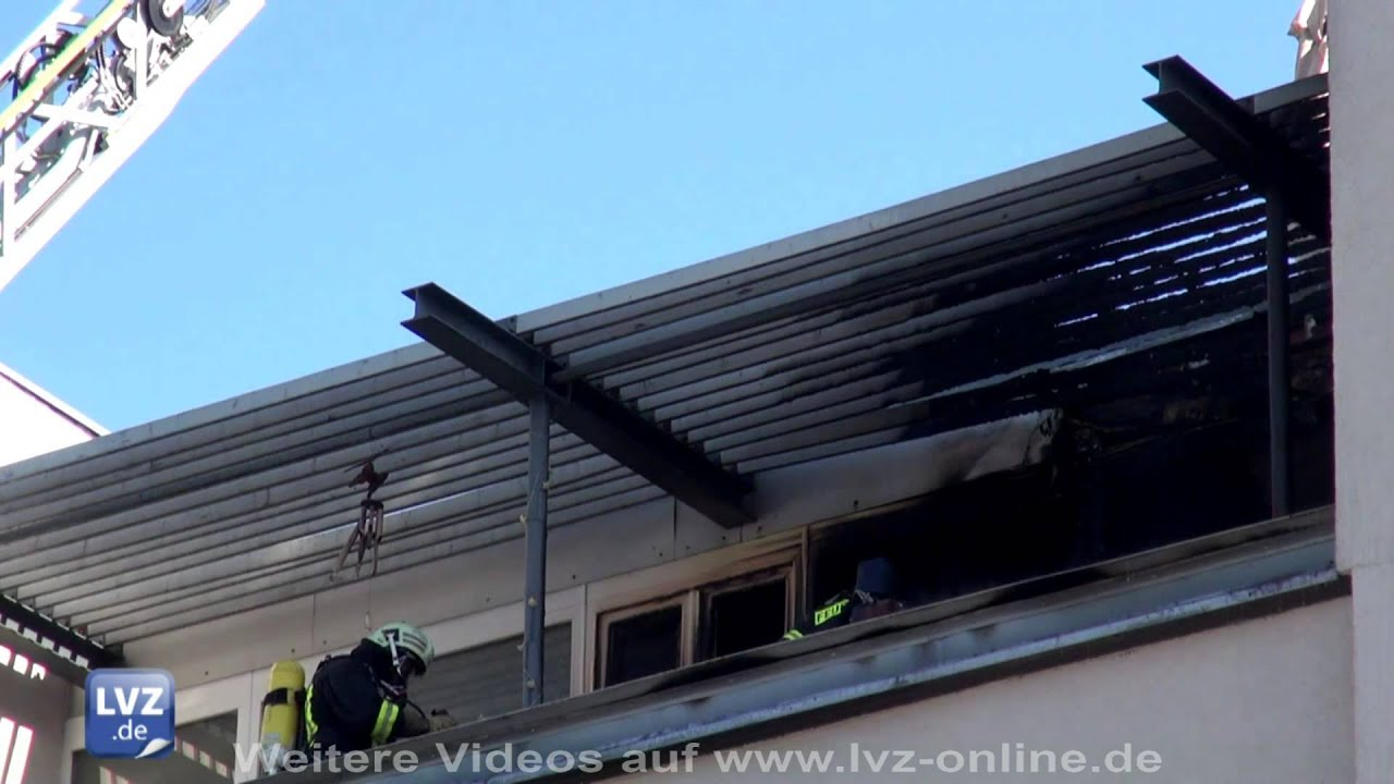 Balkon In Leipzig Gohlis Steht In Flammen Youtube