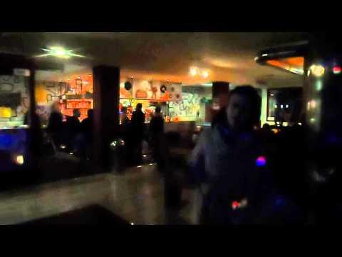 madalina manole:)o cantam de mica:)bar appaca karaoke:)