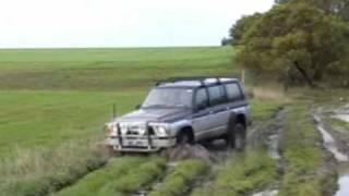 rb30 nissan patrol gq in mud hole