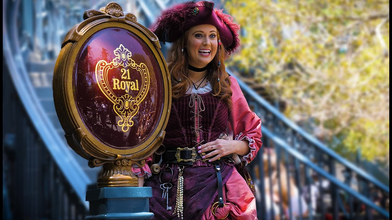 A very special friend returns to Disneyland!   Pirates, food & another Toontown adventure!