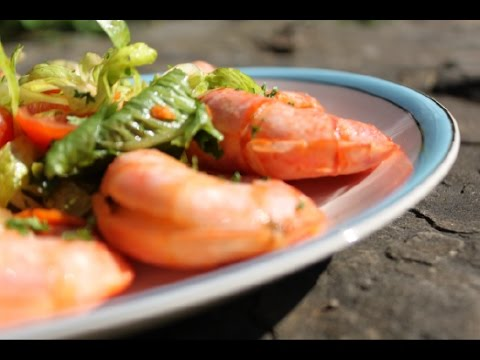 barbecue-grilled-garlic-shrimp-with-easy-salad-recipe!