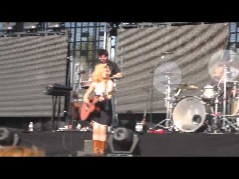 The Band Perry - All Your Life - live at Stagecoach 2012