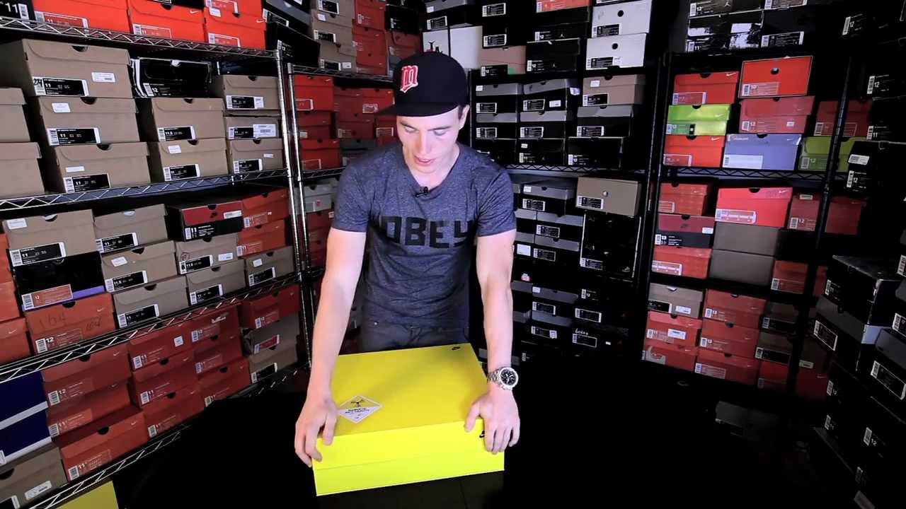 Skee Locker  The Nike Air Mag (Unboxing   Review) - Marty McFly (Back II  The Future) - YouTube c8e1490b5513