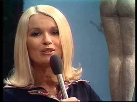 Martine Bijl zingt 'Grotemensenland' (1975)