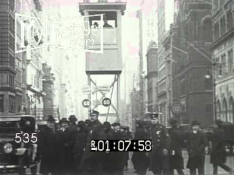 1919 TRAFFIC LIGHTS DOUBLE DECK BUS. 1920 TRAFFIC JAM / VINTAGE CARS NYC