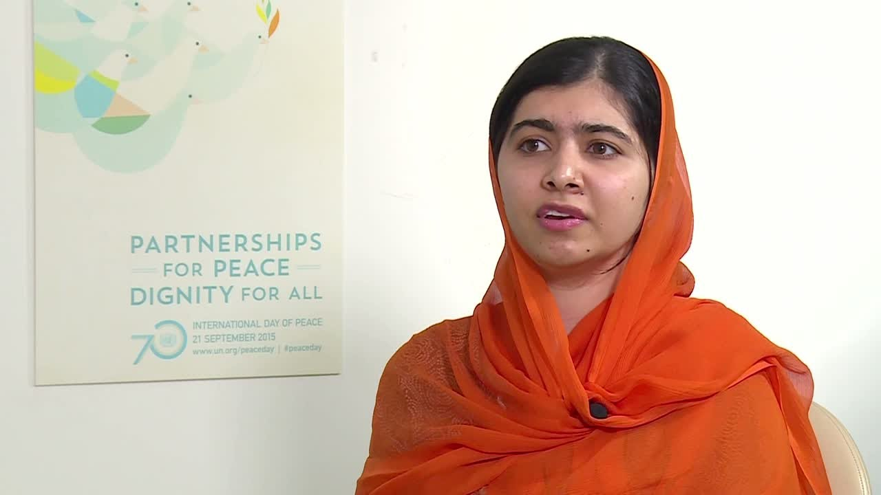 فرانس 24:Malala Yousafzai asks Macron to invest 300 million dollars in education