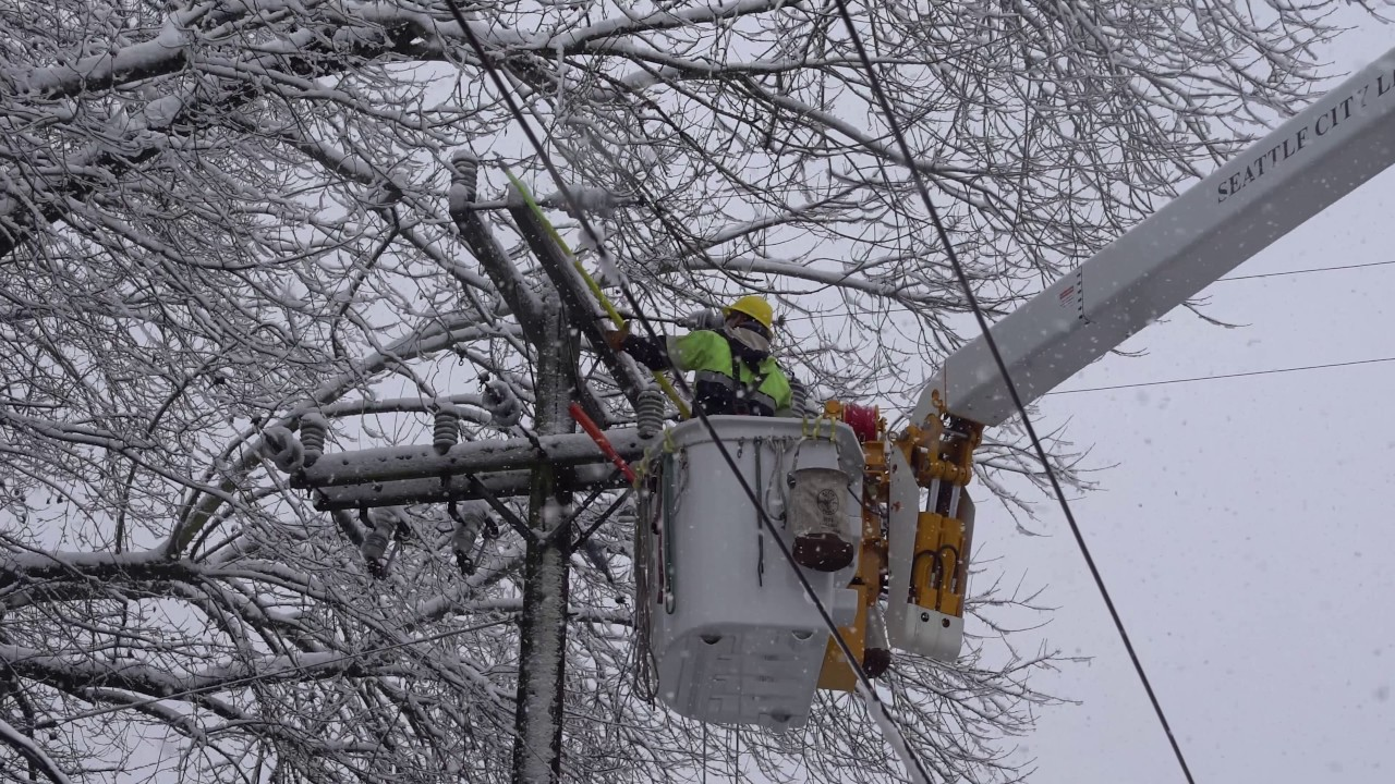 Seattle City Light Crews Tackle Snowstorm Power Outages