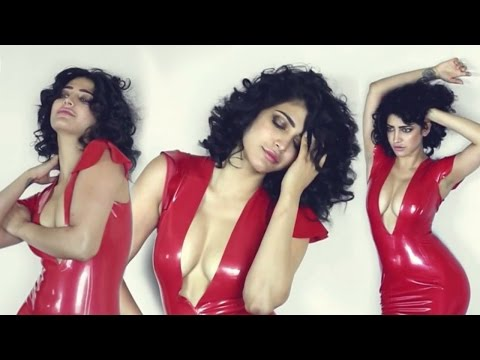 Shruti Haasan to wear sexy outfits once again | 2016 |