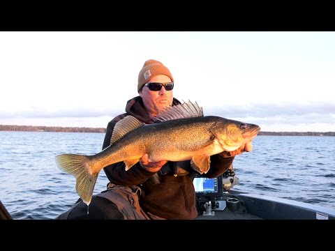 Walleyes On Bay De Noc - In-Depth Outdoors, Season 11 Episode 3