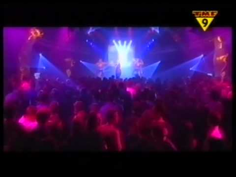 The Mackenzie Feat. Jessy - Falling In Love (Live@TMF Showcase)