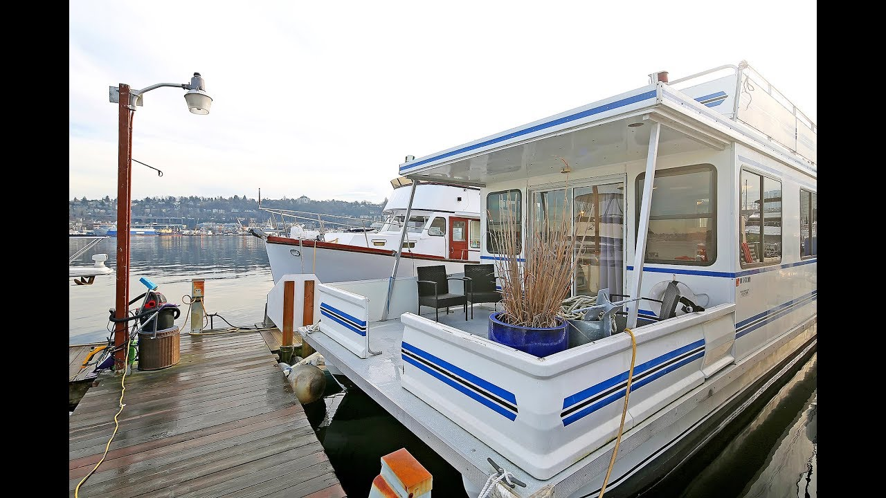 27 houseboats and floating homes for sale in Seattle right now