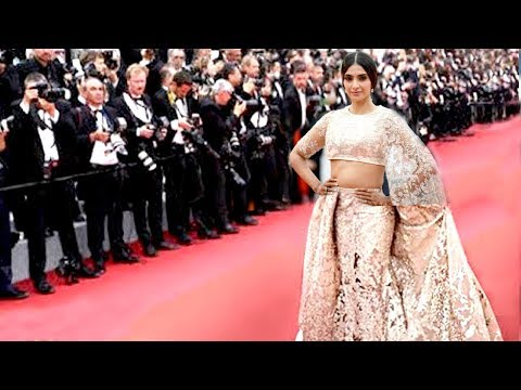 Sonam Kapoor Wears Most EXPENSIVE Dress At Cannes 2018 Gifted By Husband Anand Ahuja After Marriage