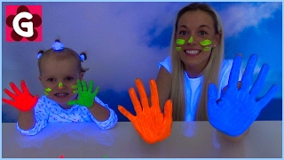 Gaby and Mommy painting with NEON Paint
