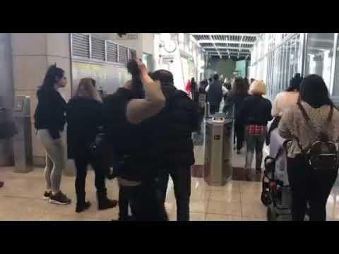 «Αυτοψία»  στο Μετρό - Σύγχυση με τις μπάρες, ουρές και εκνευρισμός
