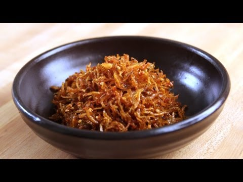 Stirfried Dried Anchovy Side Dishes (Myeolchi-bokkeum: 멸치볶음)