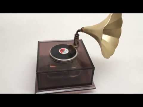 Vintage wind-up Gramophone Victrola Record Player Japan Plays Stardust Song