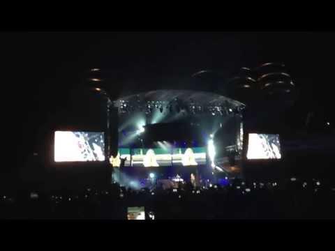 Rihanna - Diamonds Live @ Istanbul (Diamonds World Tour)