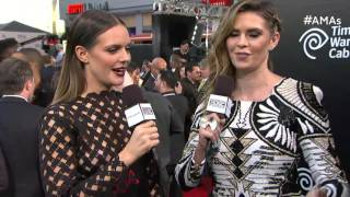 Tove Lo Red Carpet Interview - AMAs 2015