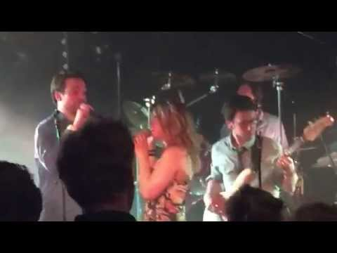 Hold me van Anouk & Douwe Bob door Day Out coverband