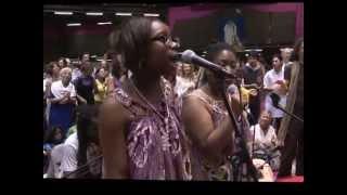 Pot Pourit, AMMA Badjans, Dévi Bhava 2011, Chanter pour Elle avec Sa bénédiction...
