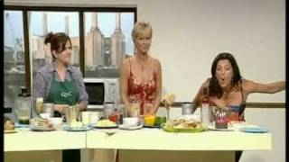 Repeat youtube video Julia Roberts QVC Cleavage compilation.mpg