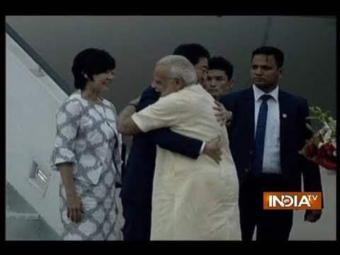 Japanese PM Shinzo Abe was welcomed by PM Modi as he landed in Ahmedabad