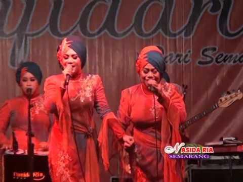 Lembah Duka Nasida RIA Live in balai desa Megawon kudus