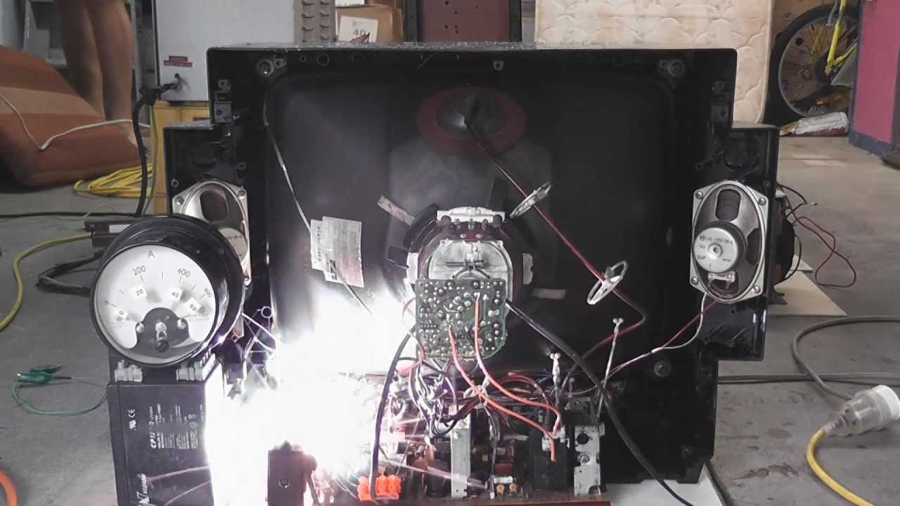 crt tv filament overvolted and some circuit board sparks [ 1280 x 720 Pixel ]