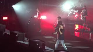 Linkin Park - Papercut (Live at the O2)