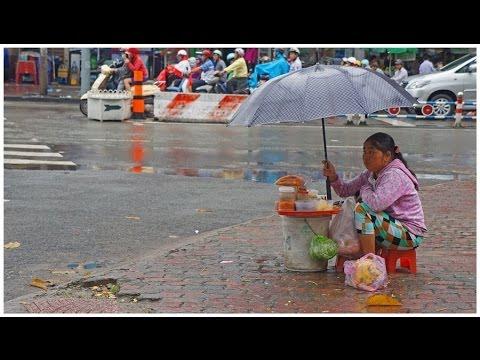 Walking in Hồ Chí Minh City ( Saigon )
