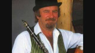 """Stranger on the Shore"" Acker Bilk"