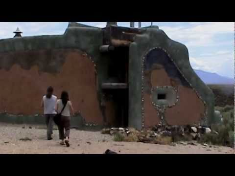 Michael Reynolds  Part 1 & Earthship Tours