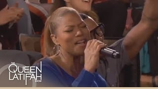 Queen Latifah Performs