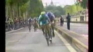 Alexander Vinokourov wins stage 21 on Champs-Élysées (Tour France 2005)