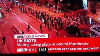 Manchester Riot - Manchester City Centre Looting