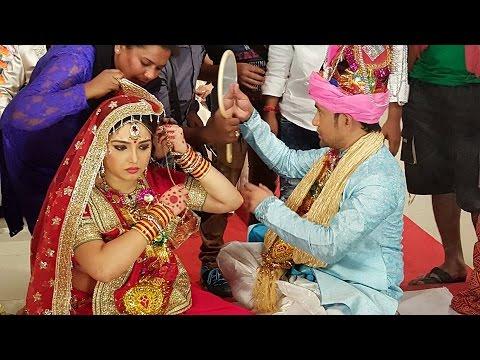 Aashiq Awara Dinesh Lal aur  Amrapali ki...