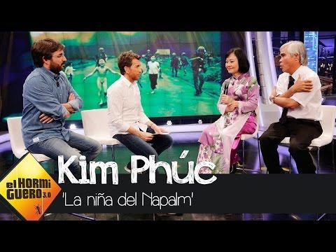"""Kim Phúc: """"Agradecí que no se me quemaran los pies porque puse salir corriendo"""" - El Hormiguero 3.0"""