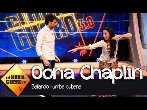 Pablo Motos y Oona Chaplin bailan rumba cubana en El Hormiguero 3.0