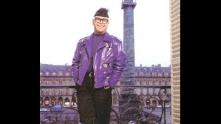 Watch Elton John Paris video
