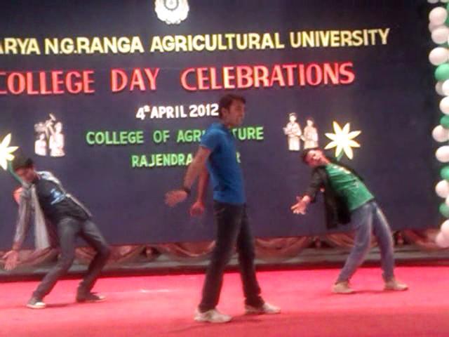 Raviteja Dance performance @ College day ANGRAU 2012