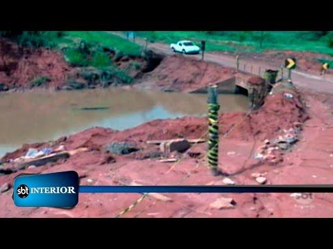 Cinco meses após queda, ponte em vicinal de Catanduva continua sem solução