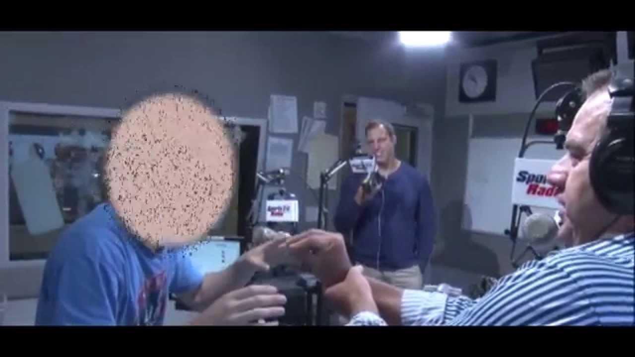 The Challenge - In The Loop - Suck Doritos Dust Off Co-Host's Fingers