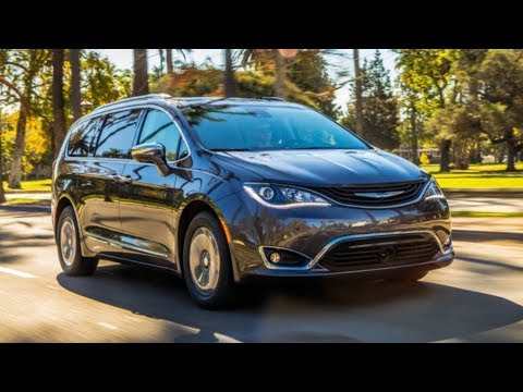 Chrysler Pacifica Hybrid 2019 Car Review