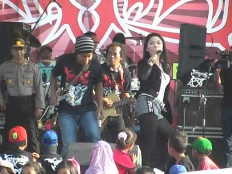 Ratna Antika - Edan Toron, Netral (PDSI) Live Ima'an Monata 2014