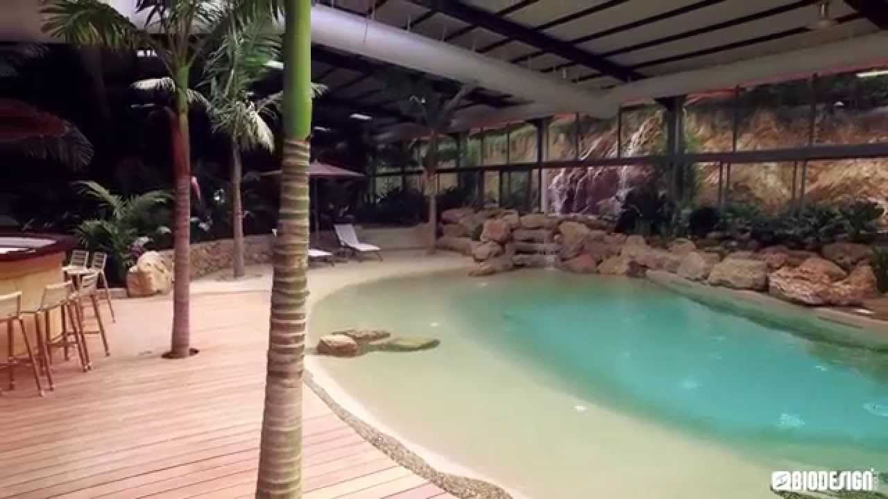 Une piscine Biodesign dans un jardin tropical  YouTube